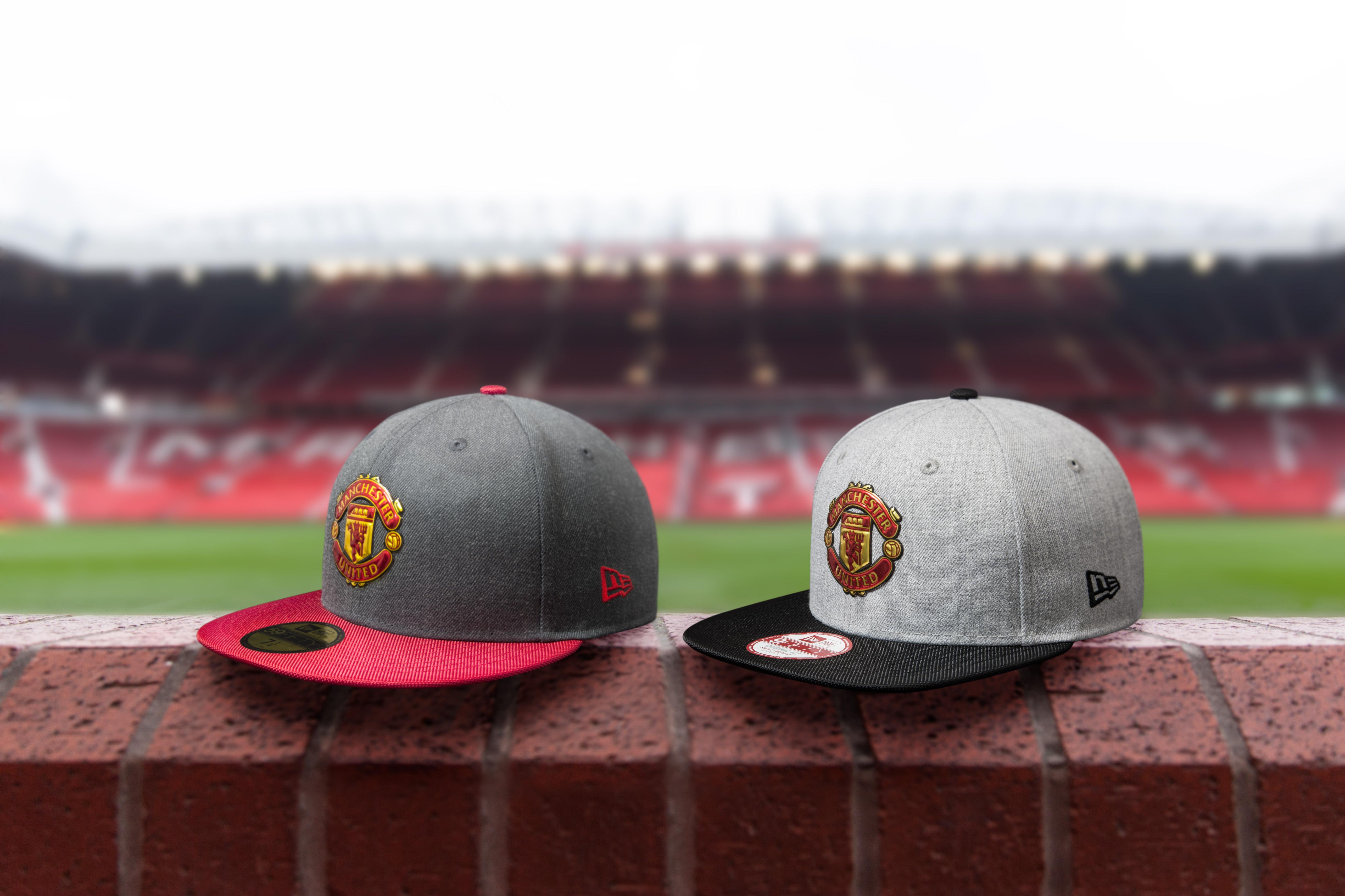 7f55ade14a523 New Era Caps en Old Trafford