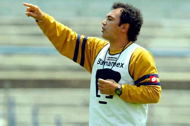Hugo Sánchez podría ser uno de los técnicos que tomen a Pumas