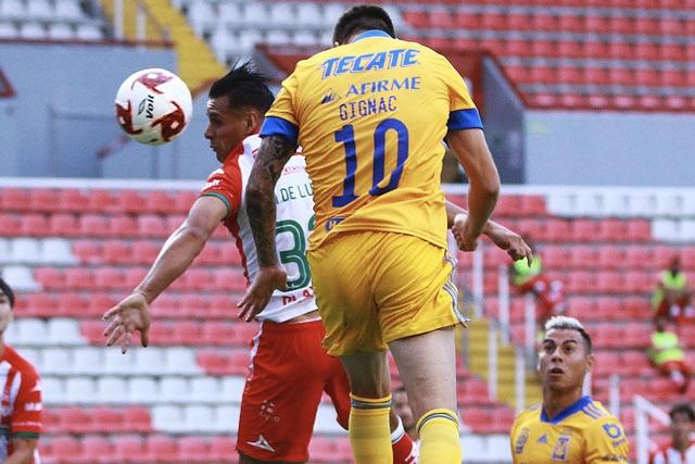 Tigres goleó 3-0 a Necaxa