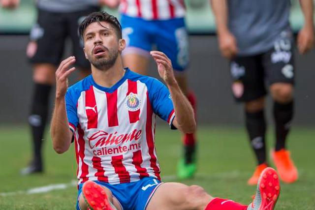 Oribe Peralta es baja con Chivas