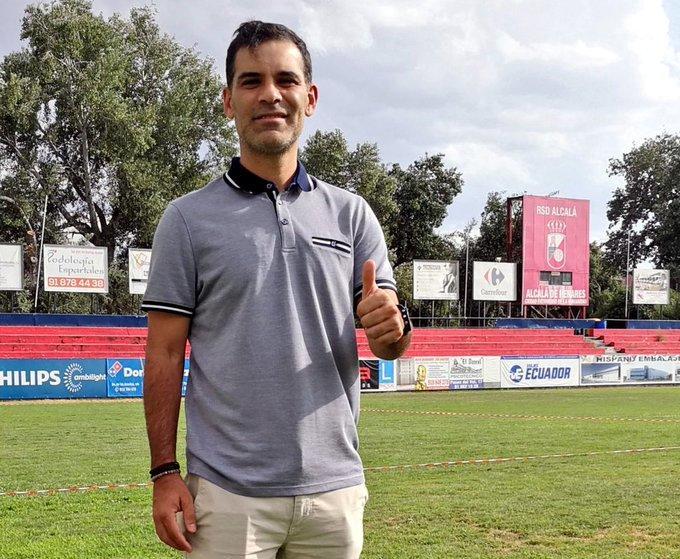 Rafa Márquez empieza su carrera como DT en España.