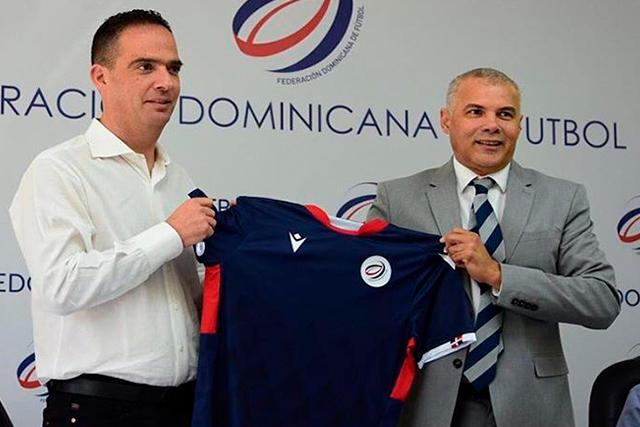 Presentación de Jacques Passy como técnico de República Dominicana