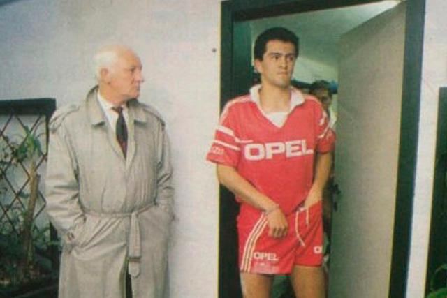 Carlos Hermosillo con el Standard Lieja