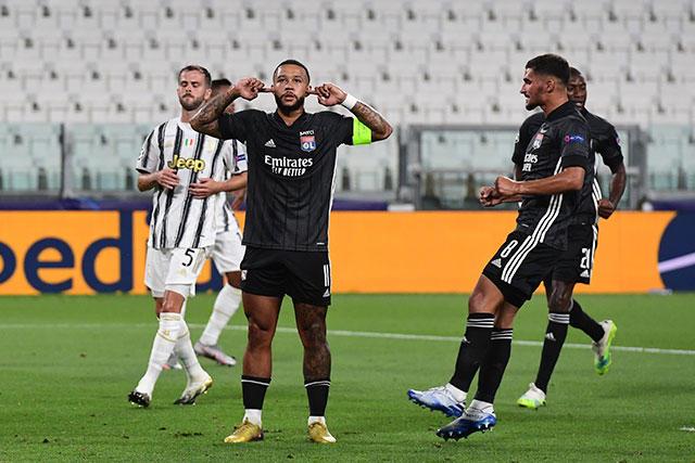 Memphis Depay puso adelante al Lyon con un gol a lo Panenka