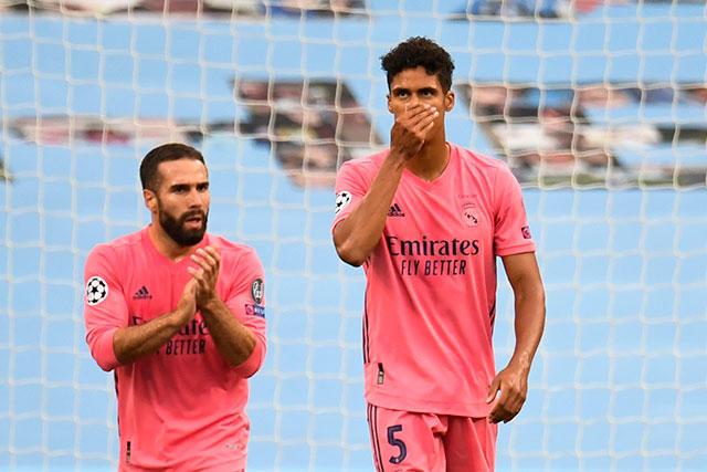Raphaël Varane la regó dos veces y le costó la clasificación al Real Madrid