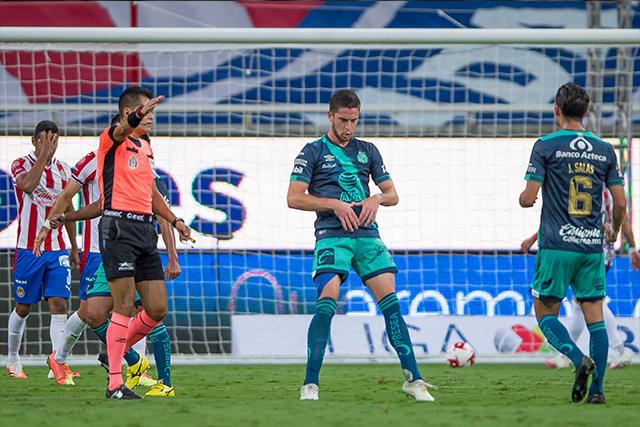 Santiago Ormeño anotó el único gol en el triunfo del Puebla