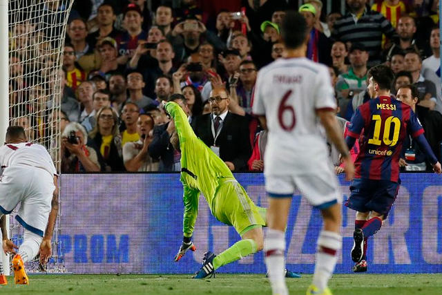 Messi anotando gol a Neuer
