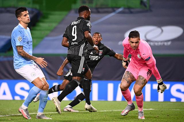 Lyon venció 3-1 al City y está en semifinales de Champions League
