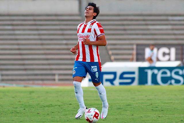 JJ Macías se quedaría en Chivas al menos un torneo más