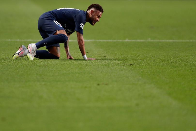 Neymar durante el juego contra Leipzig