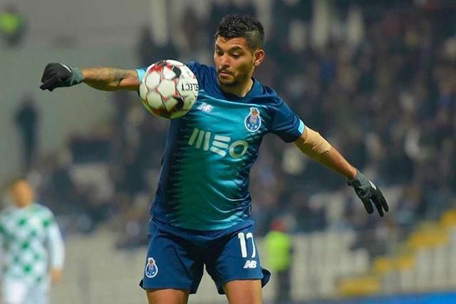 Tecatito Corona es innegociable en Porto
