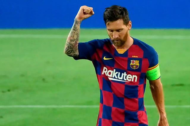 Lionel Messi le habría comunicado al Kun que jugará en el Manchester City