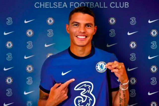 Thiago Silva en su presentación como jugador del Chelsea