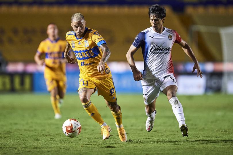 José Juan Macías contra Tigres