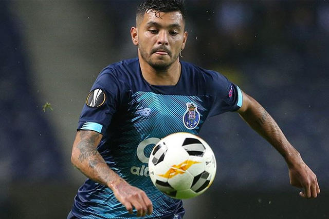 Porto habría recibido oferta por el Tecatito Corona