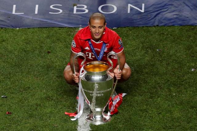 Thiago Alcántara es nuevo jugador del Liverpool