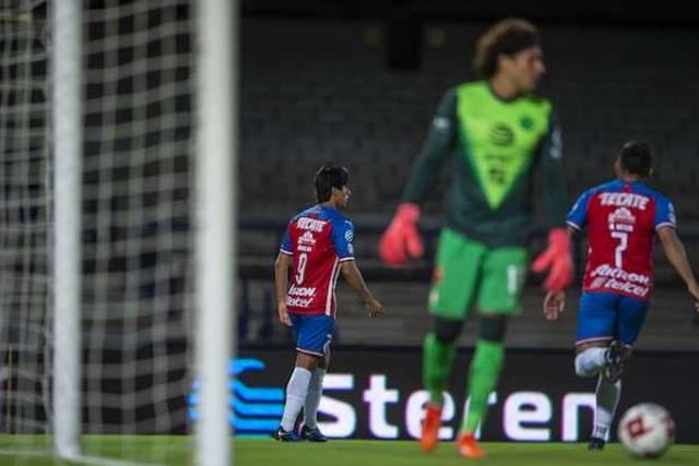 Para Javier Aguirre pesa más la playera de Chivas que la del América