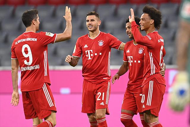 Bayern golea 5-0 al Shalke 04 en la J1 de la Bundesliga