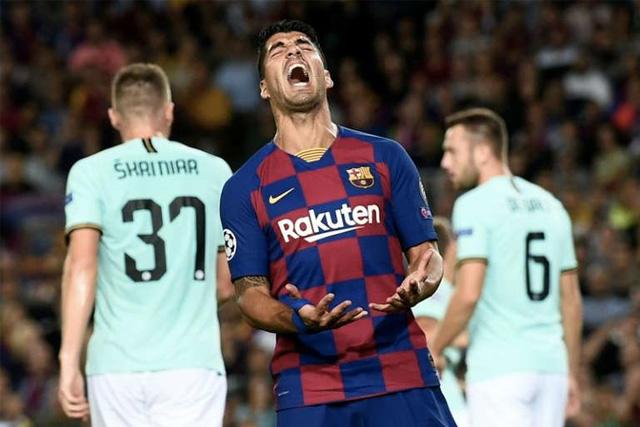 Luis Suárez habría hecho trampa en su examen de italiano