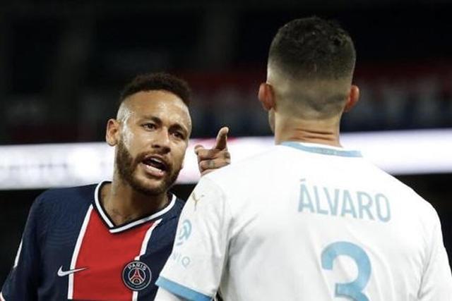 Neymar podría irse castigado hasta 20 partidos por insultos racistas