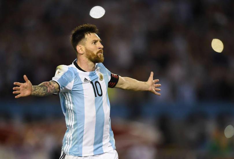 Messi prestará su avión privado para Argentina.
