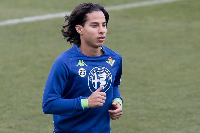 Diego Lainez habría rechazado una oferta millonaria de la MLS