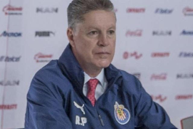 Ricardo Peláez acepta las dificultades que tiene Chivas por ser de puros mexicanos