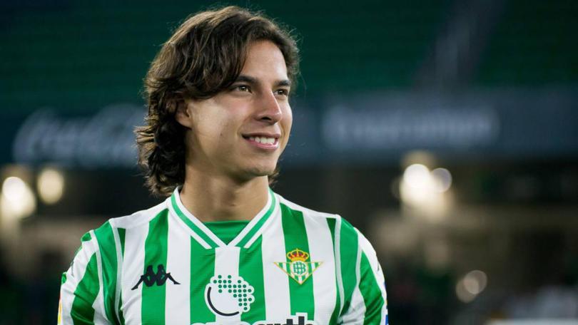 Lainez recibió ofertas de la Liga Mx y la MLS, pero se quiere quedar en España.