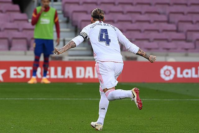 Sergio Ramos celebra el 2-1 sobre el Barcelona