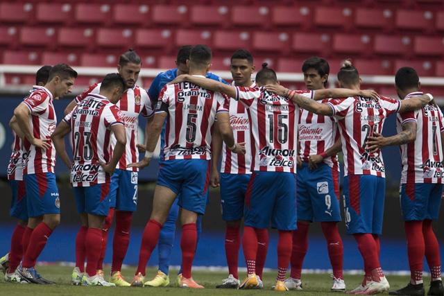Chivas con tres jugadores contagiados de Covid-19 antes de enfrentar a Cruz Azul