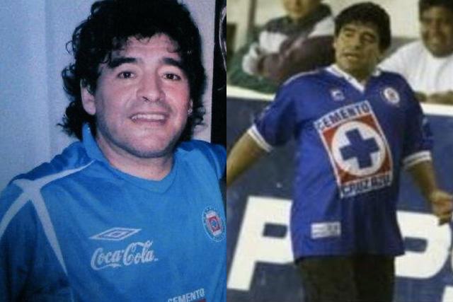 Maradona con el jersey de Cruz Azul