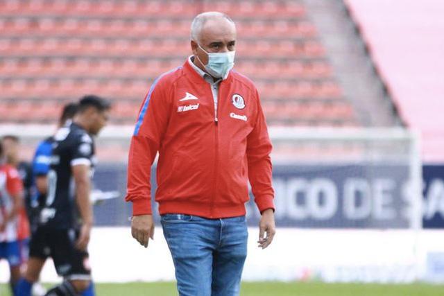 Memo Vázquez deja de ser técnico de San Luis