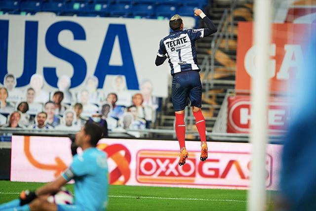 Funes Mori celebra su gol ante Cruz Azul