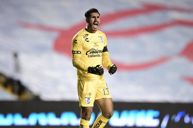 Gil Alcalá ya habría tenido un primer acercamiento con Chivas