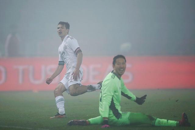 Chucky marcando el segundo gol del Tri ante Japón