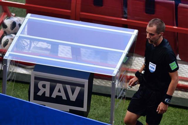 La FIFA ya no podría utilizar el VAR
