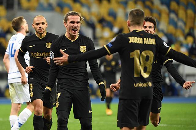 Barcelona goleó 4-0 al Dinamo de Kiev
