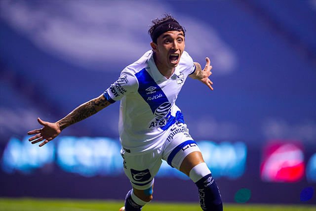 Omar Fernández celebra el gol ante León