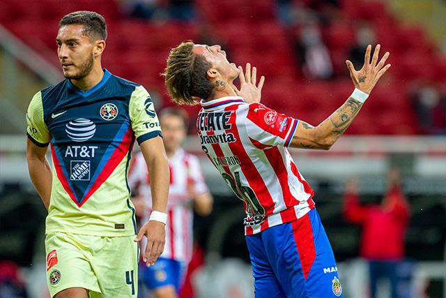 Chicote Calderón celebra su gol ante el América