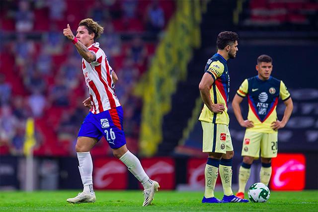 Chicote Calderón abrió el marcador en el Azteca con un golazo