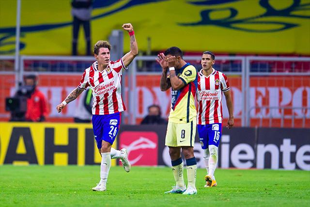 Chicote celebra su gol contra el América