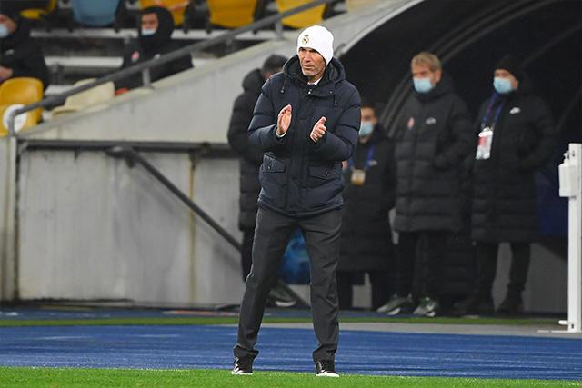 Zinedine Zidane podría dejar el banquillo del Real Madrid antes de la última jornada de grupos en la Champions
