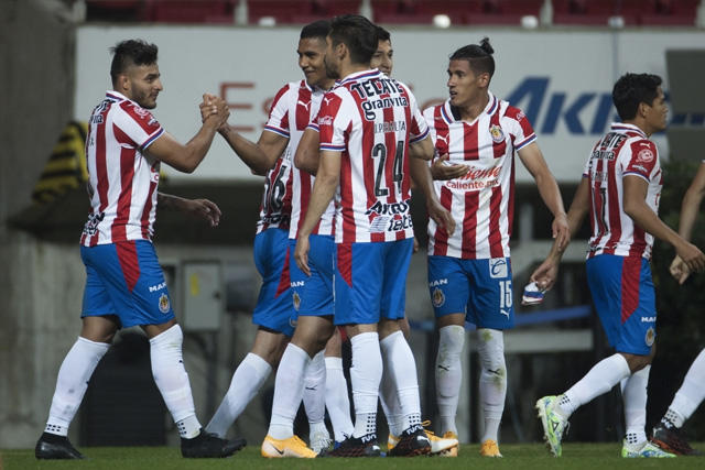Chivas va con su mejor equipo posible para la vuelta ante León