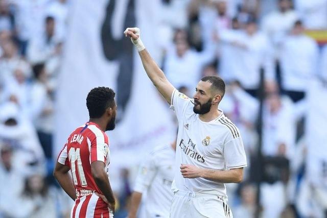 Karim Benzema celebra su gol ante el Atlético