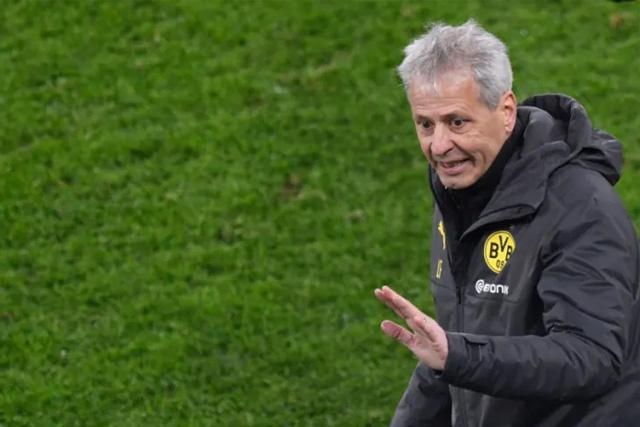 Lucien Favre quedaría fuera del Dortmund este domingo