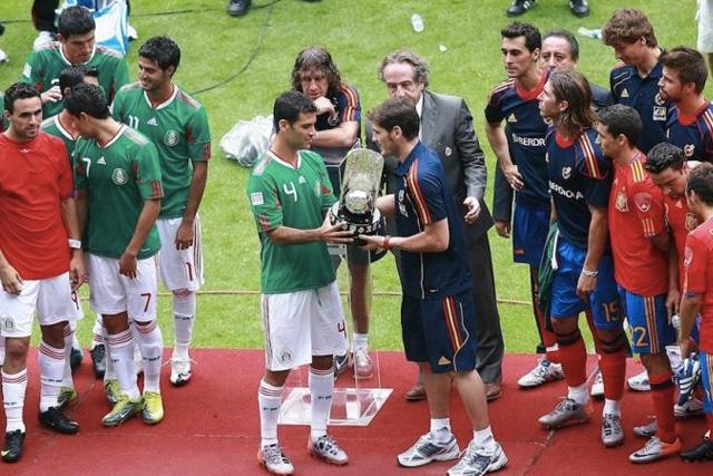 Las selecciones de México y España en un amistoso en 2012