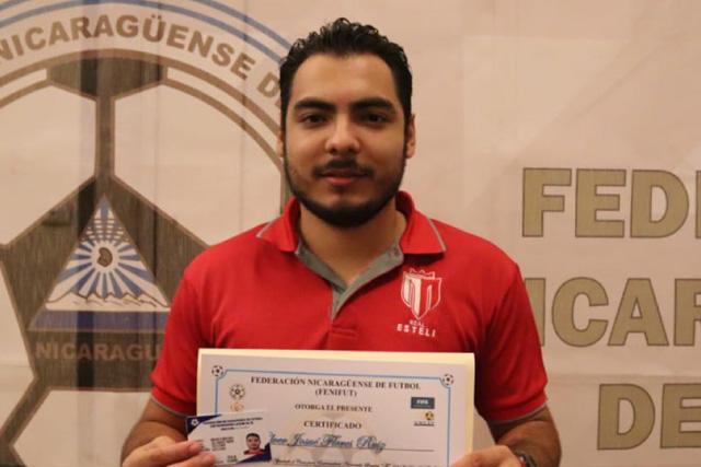 Holver Flores, técnico de 23 años