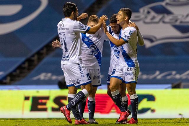 Puebla se puso los lentes para trollear a Cruz Azul y Chivas