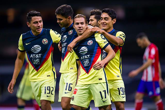 Córdova celebra el gol que le dio el triunfo al América
