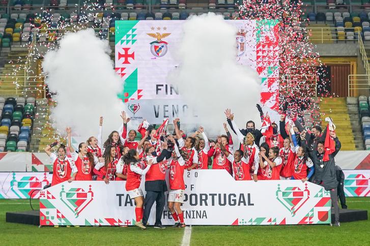 SC Braga levanta Taça de Portugal Femenil